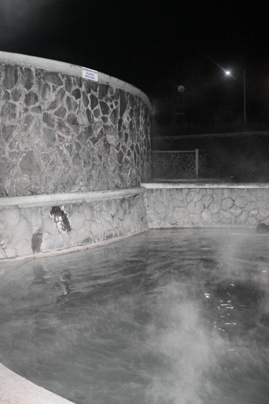 foto kolamair panas